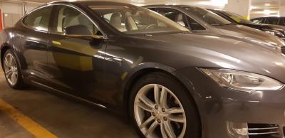Tesla S 85D
