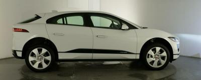 Jaguar Elektro Fahrzeug i-Pace mit 475 km Reichweite und 400 PS
